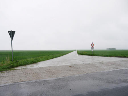 Varel Deich 534, 2010,  Foto hinter Plexiglas,  kaschiert auf Dibond,  75 x 100 cm